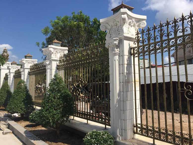 Thiết kế biệt thự tân cổ điển tại Cần Thơ với hàng rào đẹp mắt
