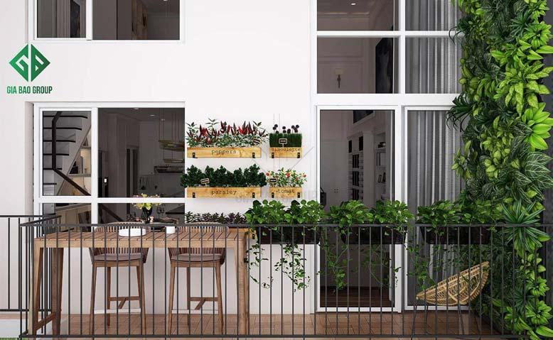 Khu vườn nhỏ xinh ở ban công tạo nên không gian xanh mát trong mẫu thiết kế nội thất căn hộ chung cư Duplex