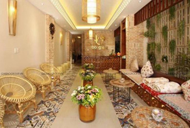 Phòng lễ tân đón khách rộng rãi với nội thất đẹp