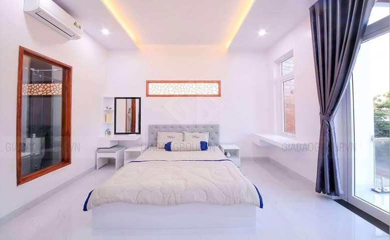 Phòng ngủ ba mẹ trong thiết kế mẫu nhà phố đẹp 3 tầng
