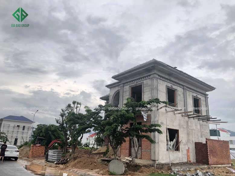 Quá trình thi công biệt thự bán cổ điển tại Nha Trang.