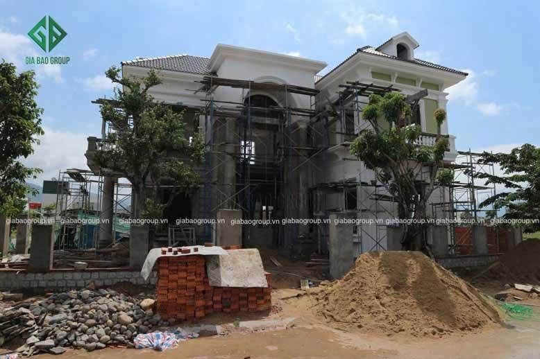 Hình ảnh thi công biệt thự bán cổ điển tại Nha Trang.