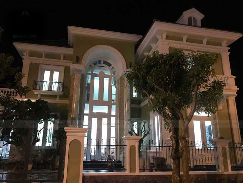 Thi công biệt thự bán cổ điển đồ sộ tại TP Nha Trang