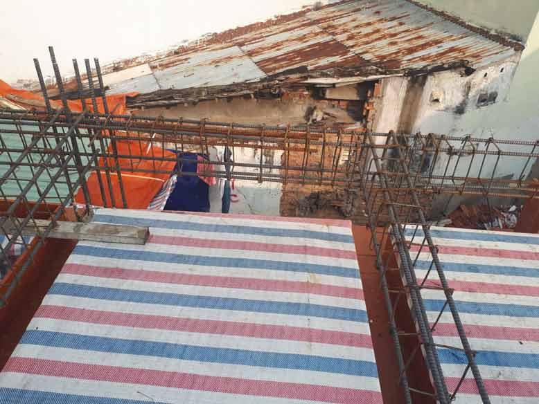 hình ảnh thực tế tiến hành xây dựng khung nhà