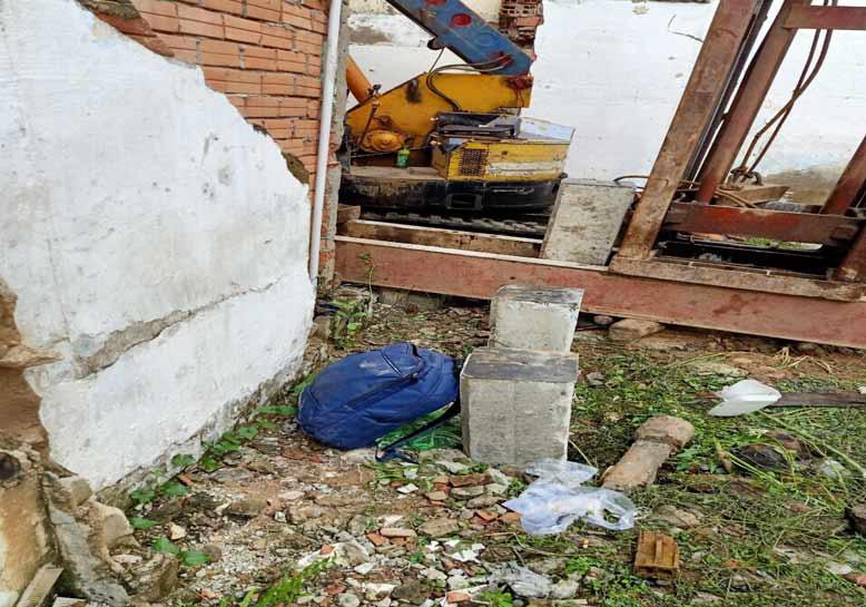 Tiến hành tháo dở nhà cũ