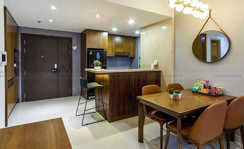 Phòng bếp được thiết kế nhỏ gọn và có cả phòng bar mini