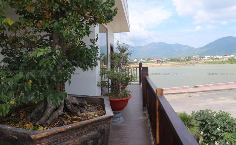 View bờ sông lãng mạn của công trình thiết kế thi công biệt thự