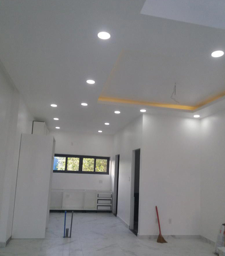 Hệ thống ánh sáng đèn nhà phố 3 tầng hiện đại