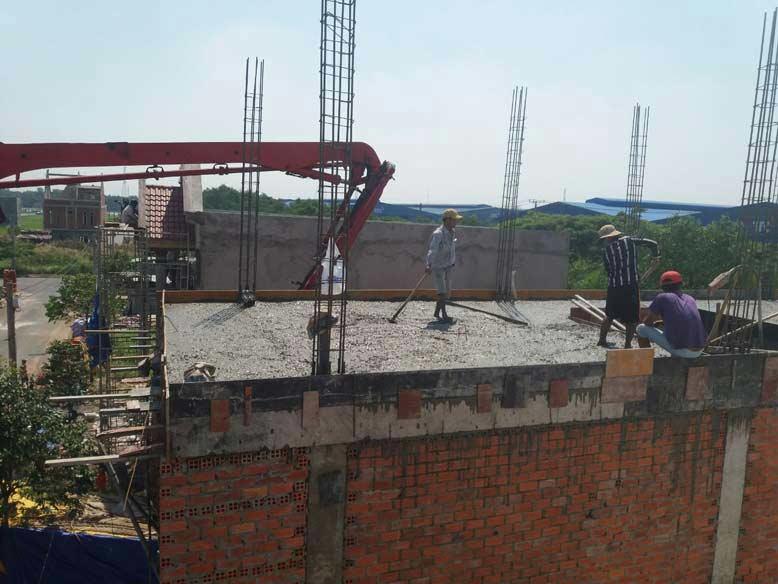 Thi công nhà phố thực tế, chuẩn bị đổ nền móng tầng 2