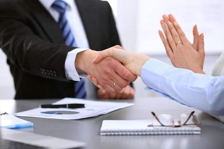 Trong làm ăn, người nhâm dần luôn có quý nhân phù trợ gặp nhiều may mắn