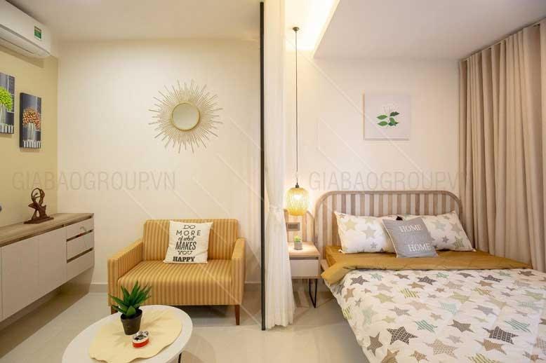 Nội thất chung cư cho phòng ngủ xinh xắn với chiếc giường nhỏ gọn