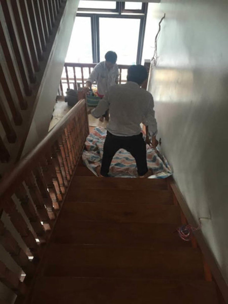 Thi công nội thất biệt thự Himlam cho cầu thang gỗ