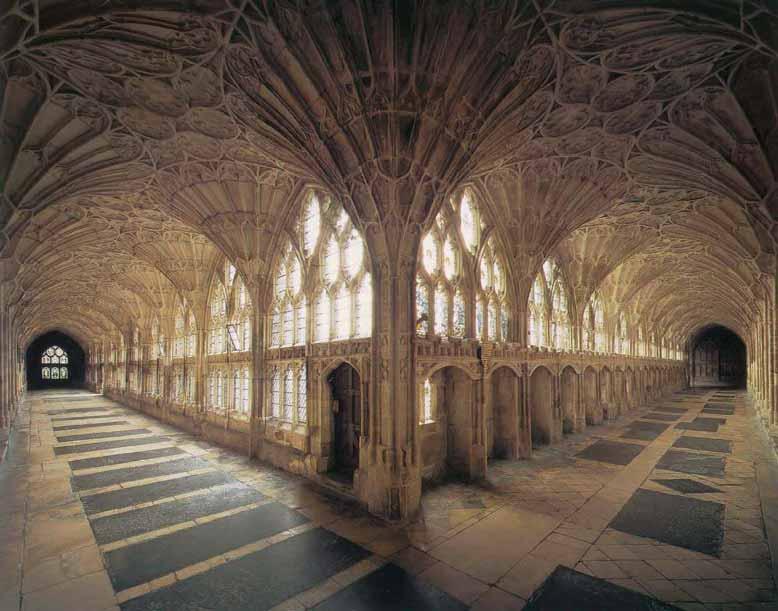 Không gian bên trong nội thất kiến trúc Gothic