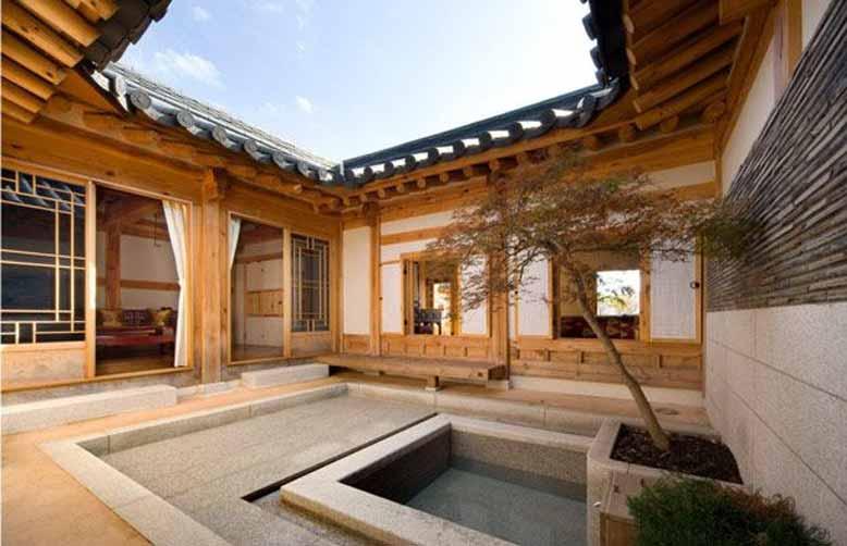 Chất liệu gỗ và mái ngói đất nung trong thiết kế nội thất Hàn Quốc