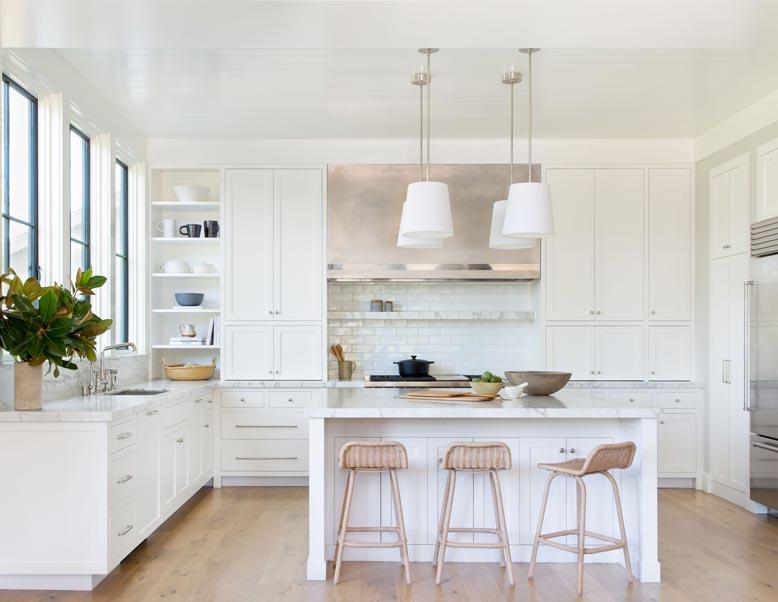 Ngắm nhìn mẫu thiết kế phòng bếp hiện đại với gam màu bắt mắt