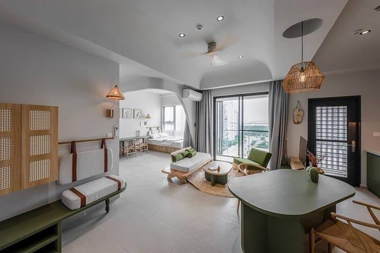 Tổng thể không gian bao gồm cả phòng khách, phòng ngủ và phòng làm việc