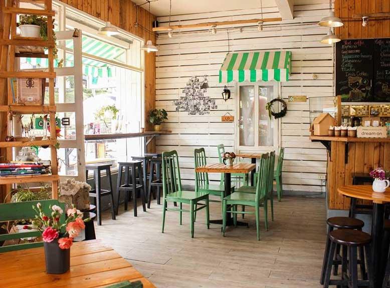 Không gian quán cafe thiết kế theo phong cách vintage