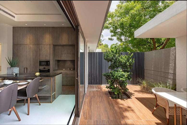 Gia chủ ưa tiên các vật liệu gỗ trong biệt thự nhà vườn 2 tầng
