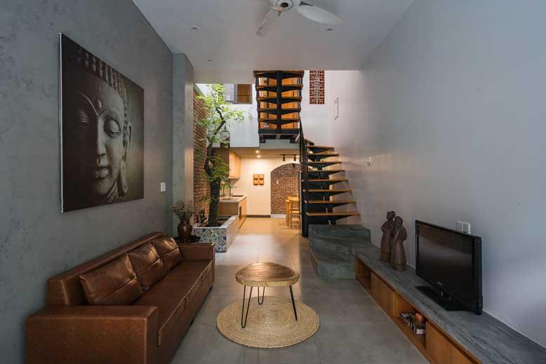 Phòng khách trong thiết kế nội thất nhà nhỏ với đồ nội thất cơ bản