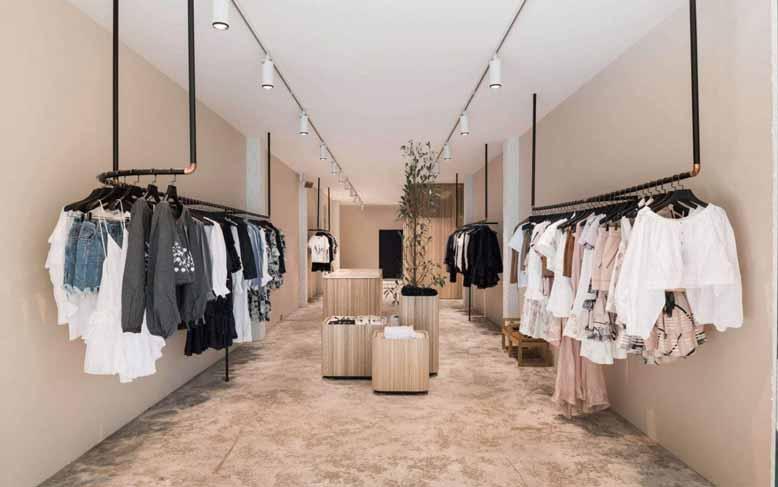 Thiết kế nội thất shop thời trang nữ với đầy đủ tiện nghi