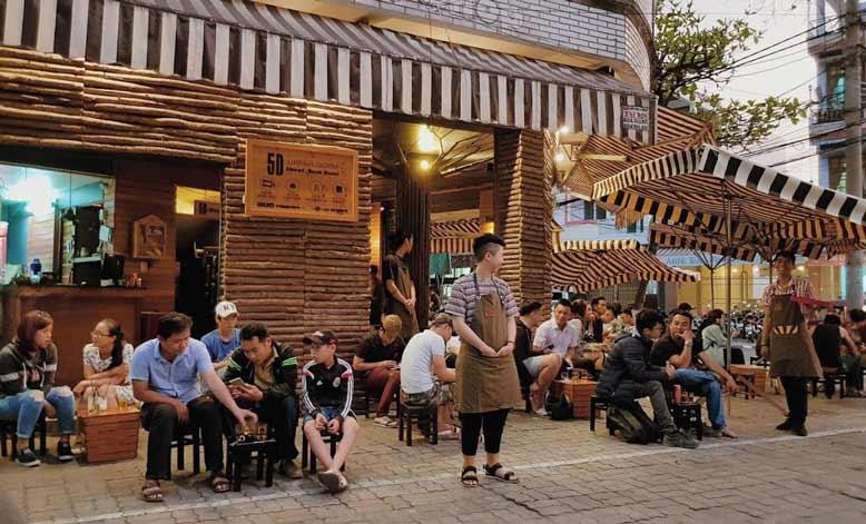 Thiết kế quán cafe cóc vỉa hè